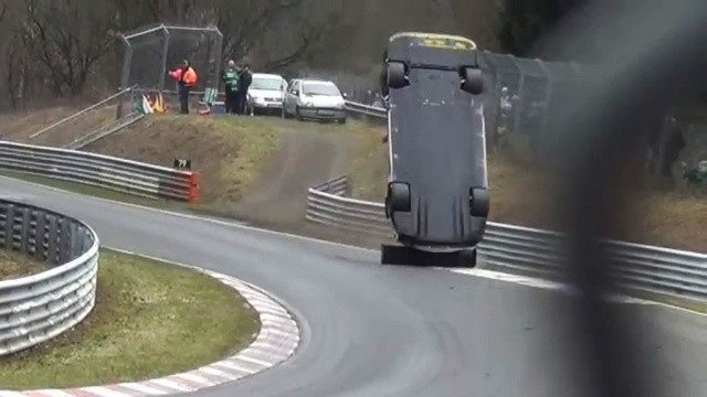 Spectator killed in Nurburgring endurance race accident (PHOTO)
