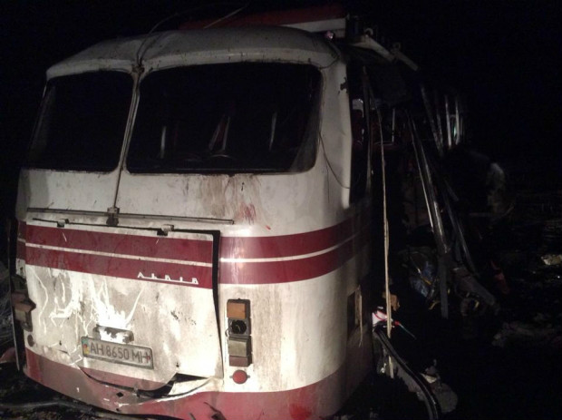 Passenger bus gets into landmine trap outside Horlivka: 3 dead, 9 injured