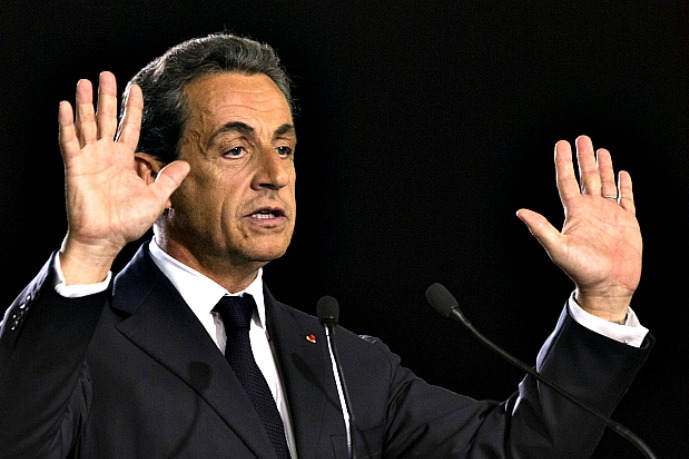 Sarkozy: West should turn page of 'Cold War' with Russia