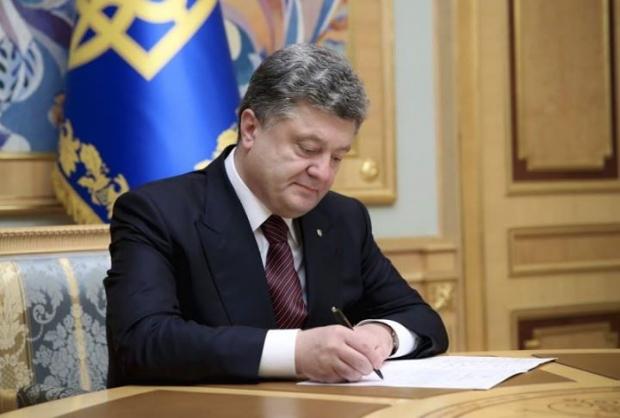 Poroshenko enacts anti-Russian sanctions
