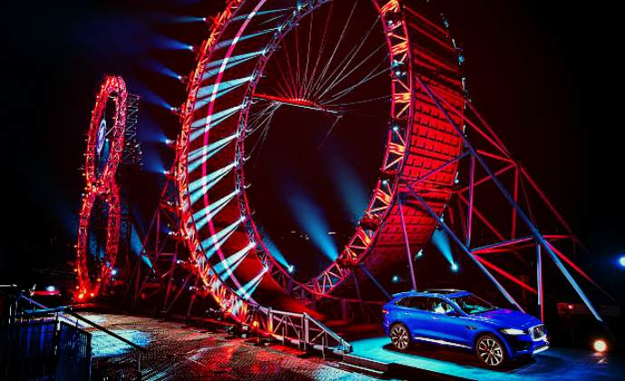 Jaguar SUV performs Guinness world record-breaking 360 degree loop (VIDEO)
