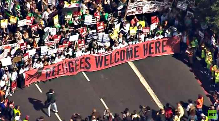 Solidarity With Refugees: Tens of thousands turn up for support march in London