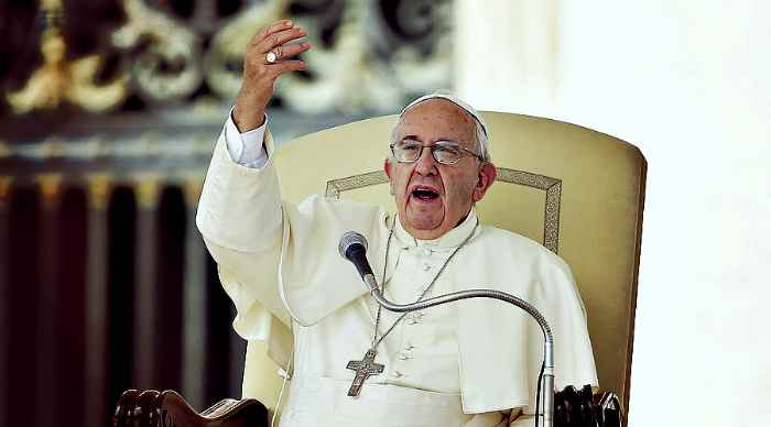Pope Francis warns of ISIS 'infiltration' danger via refugee flows