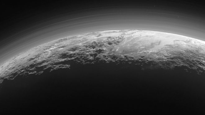 New Horizons: Foggy haze seen in Pluto images