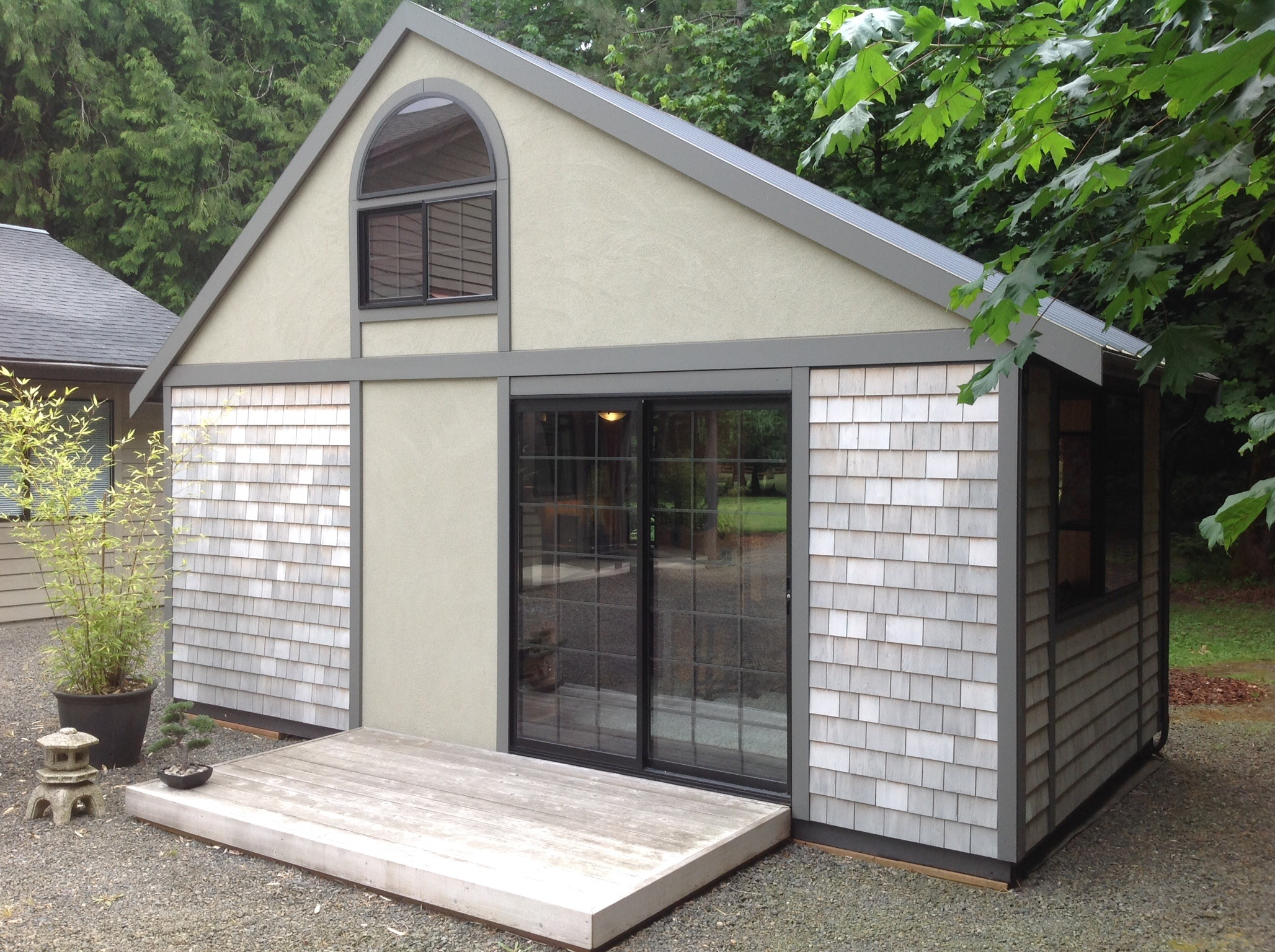 A Tiny House with a Folding Roof by Chris Heininge