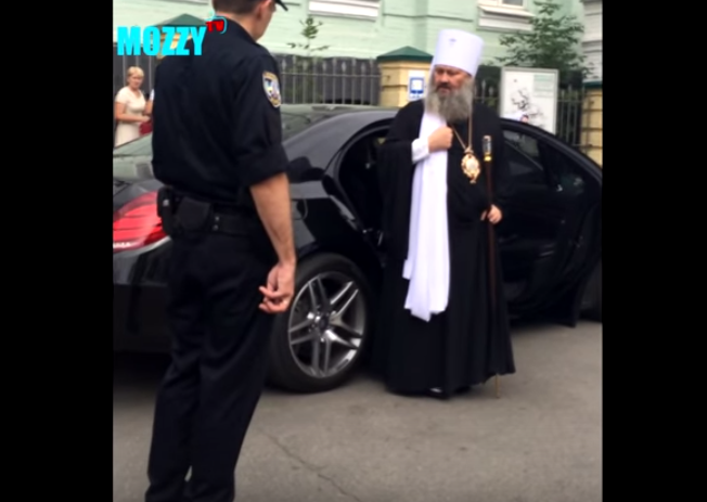 Ukraine's new traffic police decide controversial Orthodox priest is above the law (Video)