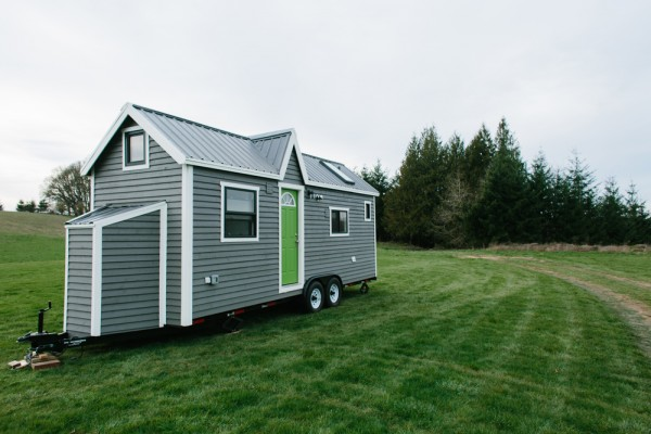 It Looks Like A Cottage On Wheels, But The Inside Hides A Surprisingly Luxurious Home.