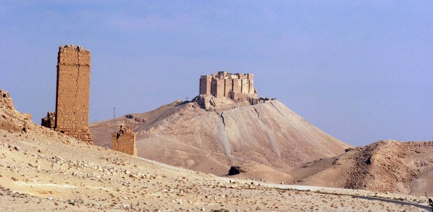 Russian jets hit IS targets in Palmyra