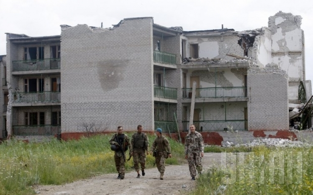 Russian proxies fire mortars and rocket-propelled grenades in Shyrokyne