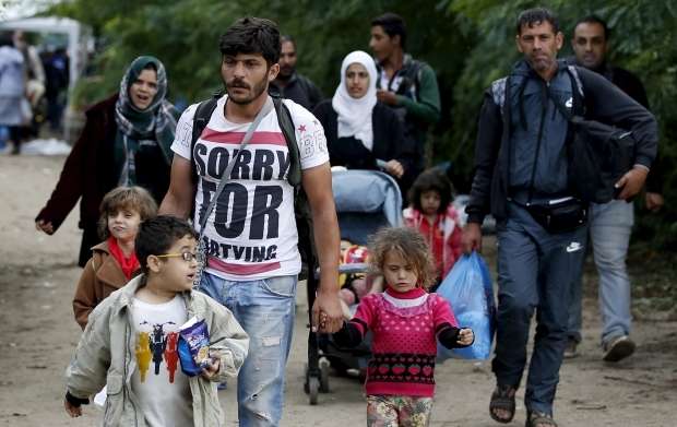 Brussels draws up plan to resettle 200,000 refugees across Europe: FT