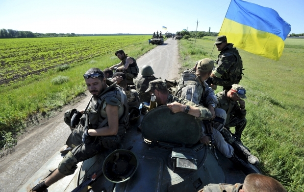 Ukraine begins withdrawal of small-caliber weapons from Donbas
