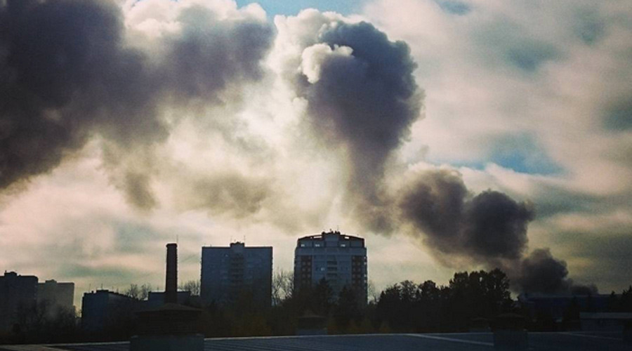 Huge blaze at construction market in Moscow suburb (PHOTOS)