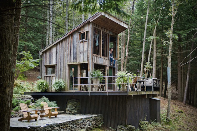Tiny-New-York-Cabin-in-the-Woods