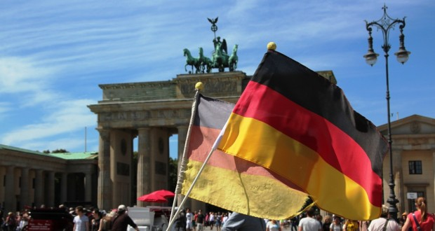 25th German Unity Day: Protests, clashes mar celebrations in Frankfurt (VIDEO)