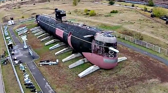 Drone captures mighty Soviet submarine (Video)
