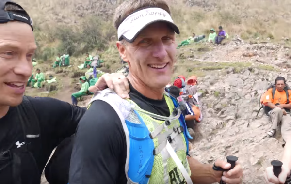 A blind athlete conquers the Inca Trail Marathon in one day (10 Photos)