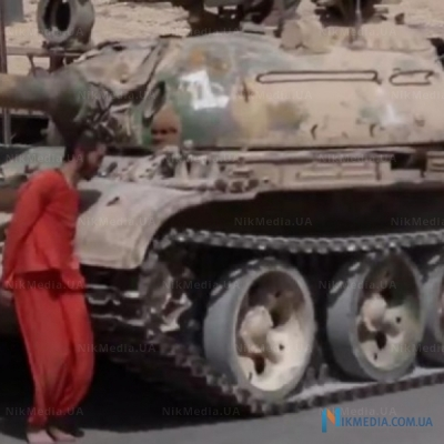LIH executed syrian soldier by moving the tank (Video 18+)