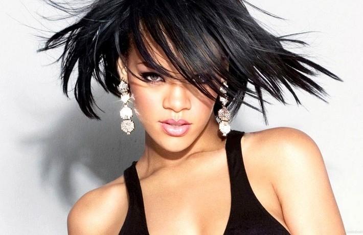 Top 10 Sexiest Celebrities Breasts