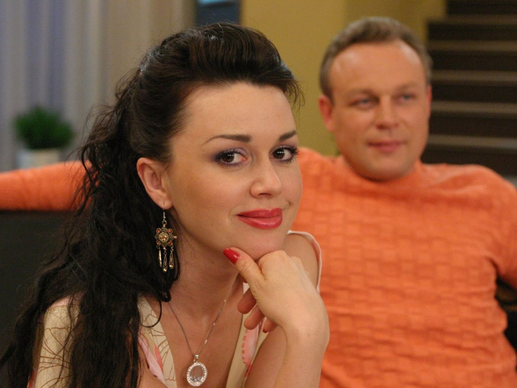 The new terrible face of Anastasia Zavorotnyuk caused many questions that the actress is in no hurry to answer 77