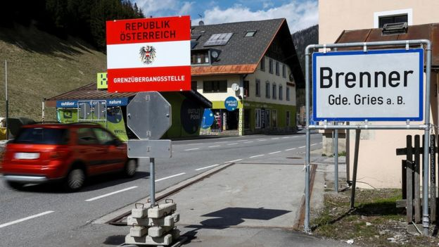 Migrant crisis: Austria passes controversial new asylum law