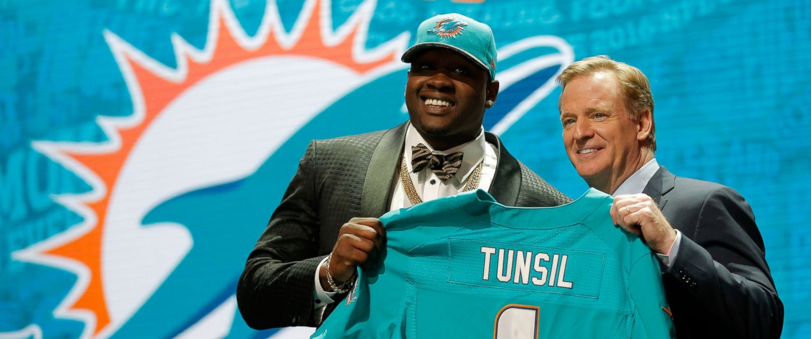 Miami Dolphins Stand by NFL Draft Pick Laremy Tunsil Amid Social Media Scandal