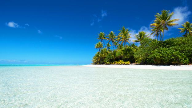 EETWGE Cook Islands. Palmerston Island, a classic atoll, discovered by Captain Cook in 1774.