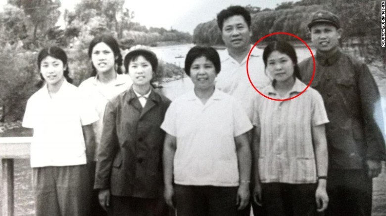 160513140408-yu-xiangzhen-family-photo-circled-exlarge-169