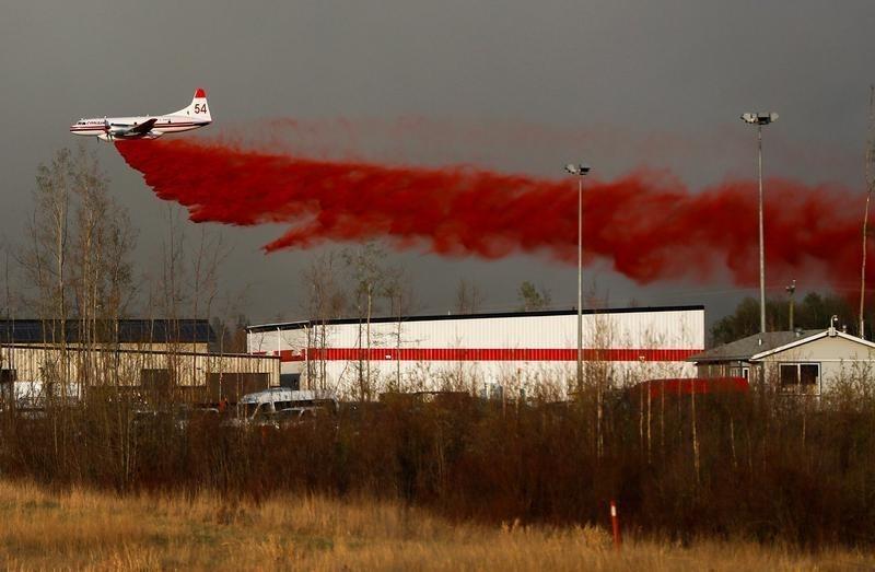 Repair Crews Assess Canada Wildfire Damage, Oil Firms Plan Restart