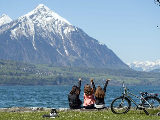 Global first? Every Swiss could be guaranteed $2,600 a month tax-free