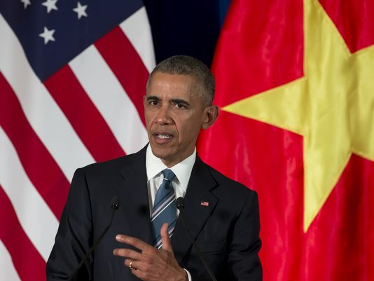 Obama lifts arms export embargo on Vietnam