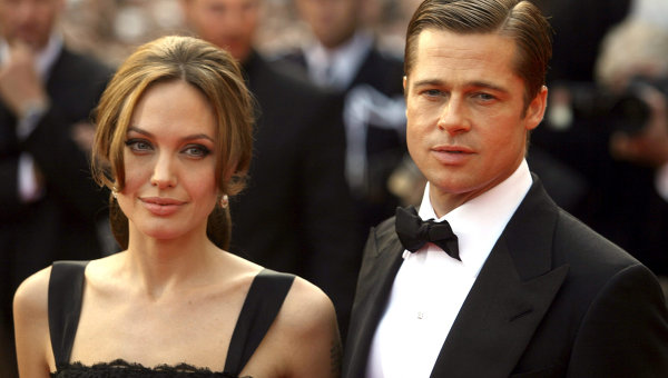 Jolie suspects that Pitt has illegitimate children, and insisted on a DNA test