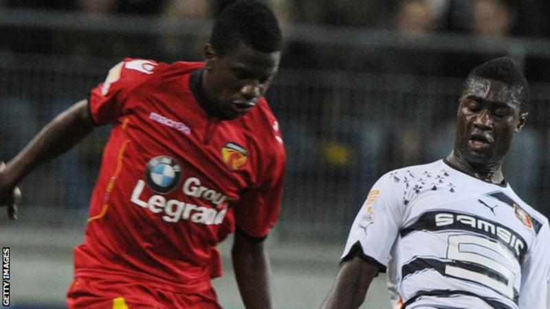 Patrick Ekeng: Dinamo Bucharest and Cameroon midfielder dies after on-pitch collapse