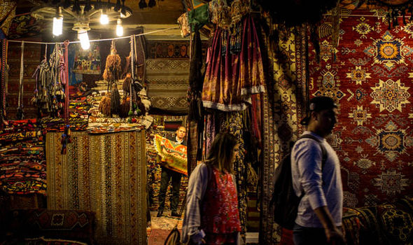 A-traditional-turkish-market-527975