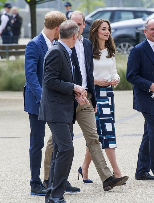 52058865 Catherine, Duchess of Cambridge, Prince William, Duke of Cambridge, and Prince Harry of Wales attend the launch of Heads Together Campaign at Olympic Park on May 16, 2016 in London, England. Catherine, Duchess of Cambridge, Prince William, Duke of Cambridge, and Prince Harry of Wales attend the launch of Heads Together Campaign at Olympic Park on May 16, 2016 in London, England. Pictured: Kate Middleton, Prince William, Prince Harry FameFlynet, Inc - Beverly Hills, CA, USA - +1 (310) 505-9876 RESTRICTIONS APPLY: USA/CHINA ONLY