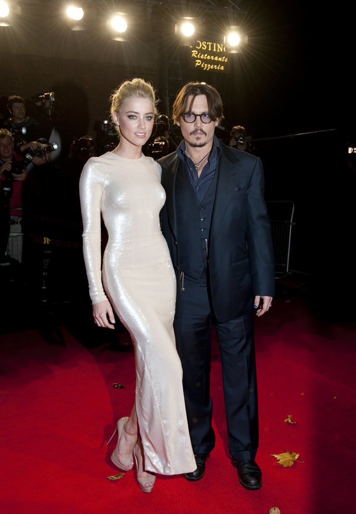 Hot-Johnny-Depp-Amber-Heard-Pictures