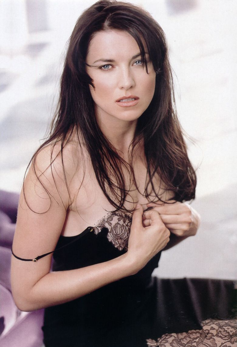 Lucy-Lawless-638-3