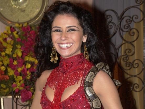 a-atriz-giovanna-antonelli-vive-jade-na-novela-o-clone-de-gloria-peres-2001-1292008367
