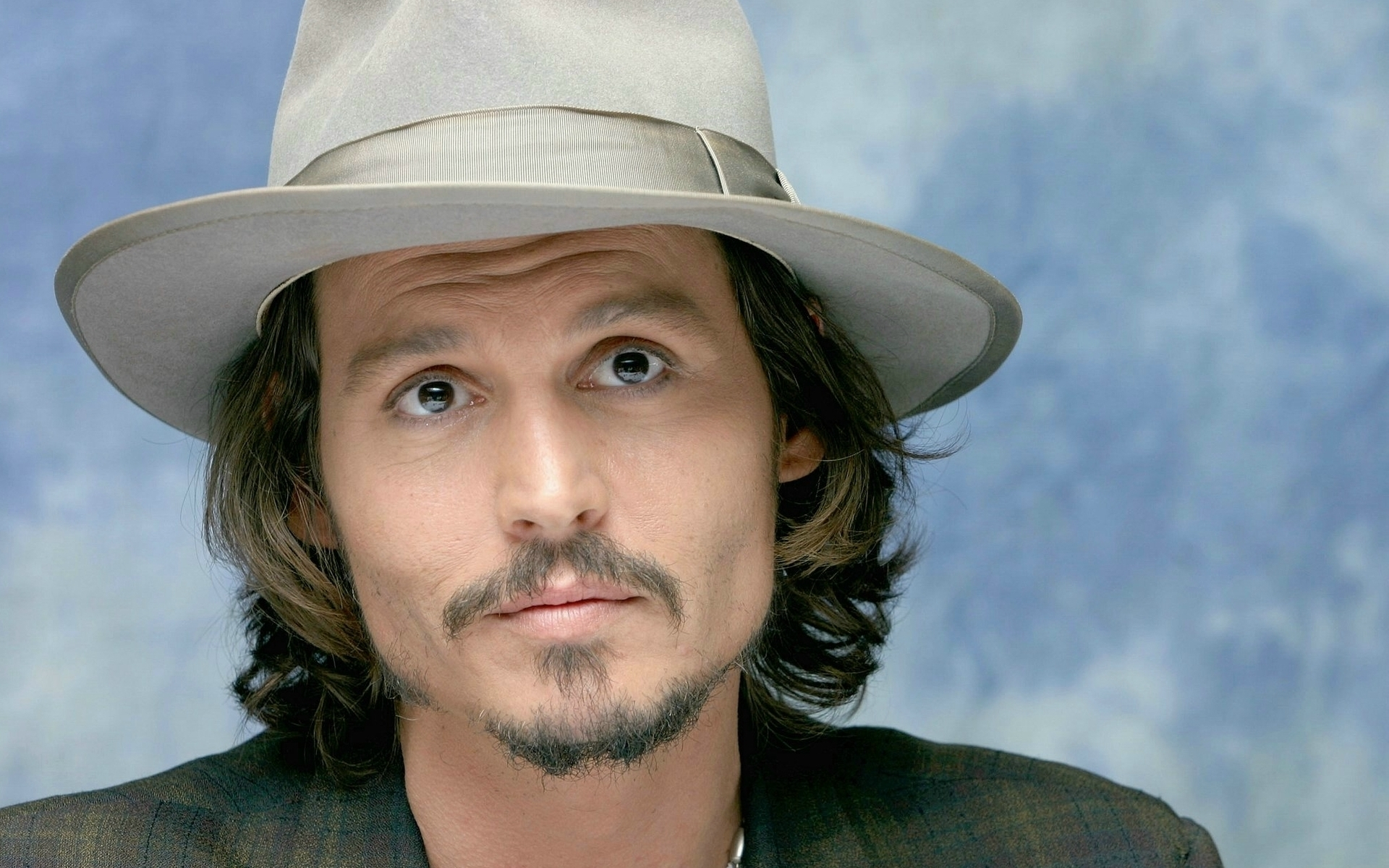 Johnny Depp appeared at the primiere of Alice in Wonderland (photo)