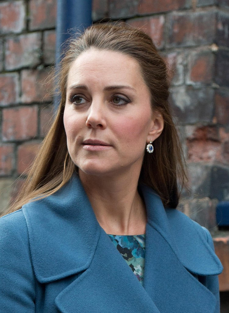 18 Feb 2015 - STOKE-ON-TRENT - UK KATE MIDDLETON VIISTS STOKE-ON-TRENT BYLINE MUST READ : XPOSUREPHOTOS.COM ***UK CLIENTS - PICTURES CONTAINING CHILDREN PLEASE PIXELATE FACE PRIOR TO PUBLICATION *** **UK CLIENTS MUST CALL PRIOR TO TV OR ONLINE USAGE PLEASE TELEPHONE   44 208 344 2007 **