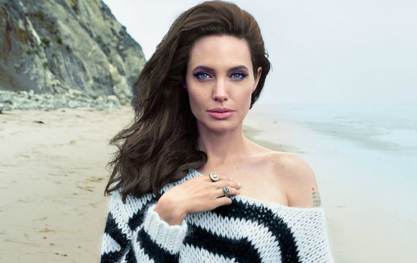HOLLYWOOD Farewells with Angelina Jolie. The actress has decided to become a politician