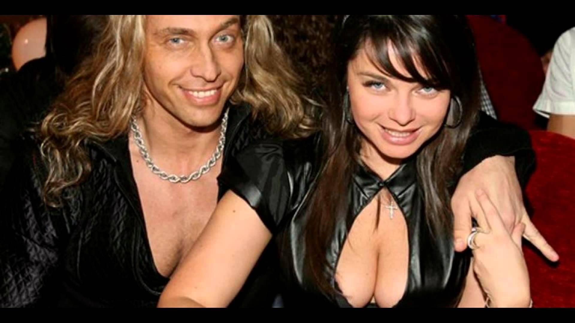 The network has BOILER PHOTOS of Tarzan And Natasha Koroleva
