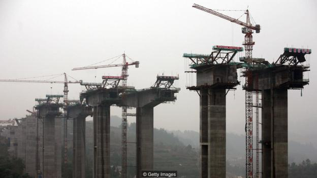 CHONGQING, CHINA - OCTOBER 26: (CHINA OUT) A partial view of the construction site of the Wayaobao Bridge, part of the Yuxiang Highway on October 26, 2007 in Chongqing Municipality, China. The Yuxiang Highway is scheduled to be finished in 2009 and will connect Chongqing and Hunan Province. (Photo by China Photos/Getty Images)
