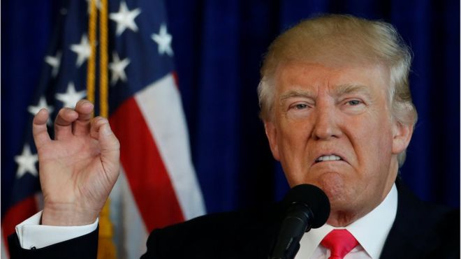 US election: Trump 'encourages Russia to hack Clinton emails'
