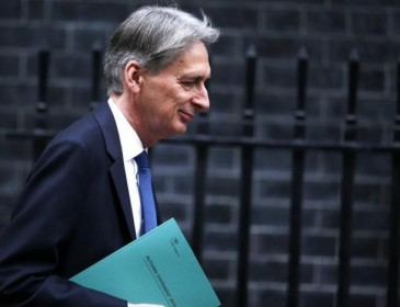 UK ramps up borrowing forecasts, sees slower growth due to Brexit