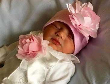 WWE News: Randy Orton posts photo of his baby daughter, congratulated by Superstars