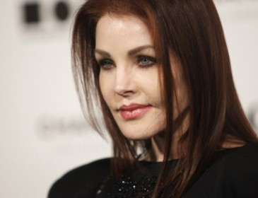 71-year-old Priscilla Presley's youthful appearance leaves viewers bewildered