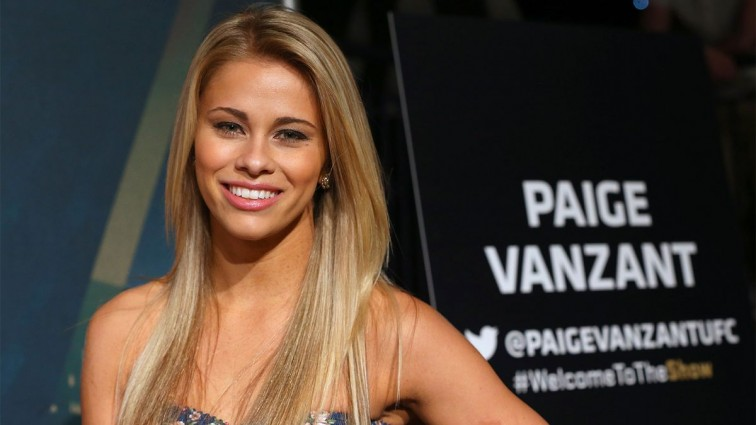 #FreeTheNipple: The UFC Star Paige VanZant share this naughty photos