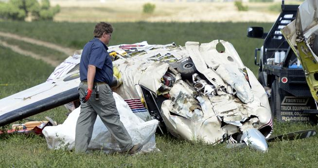 «Please Pray»: Plane crash kills F1 champion