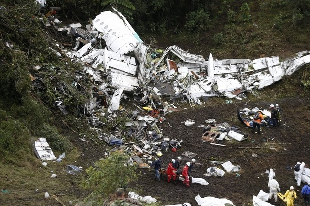 Pilot in Colombia crash that killed Chapecoense footballers 'did not have enough training hours'