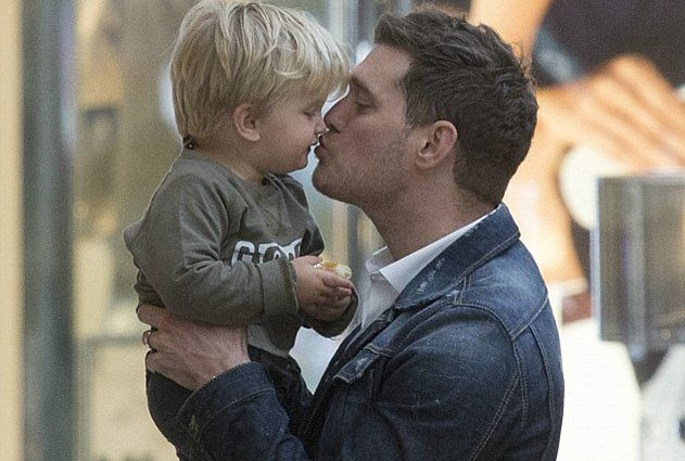 Michael Buble's cancer-stricken son released from hospital to spend Christmas with his family